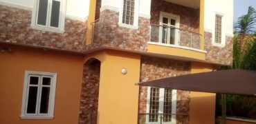 5 bedroom Detached House with 2bedroom Bq