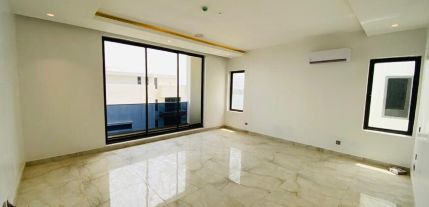 5 Bedroom Semi Detached House with 1 Room Boys Quarters