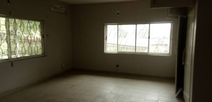 Lovely 5 Bedroom Detached House in Ikeja