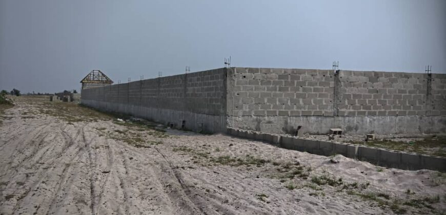 PLOTS OF LAND FOR SALE IN MAPLE WOODS LAGOS