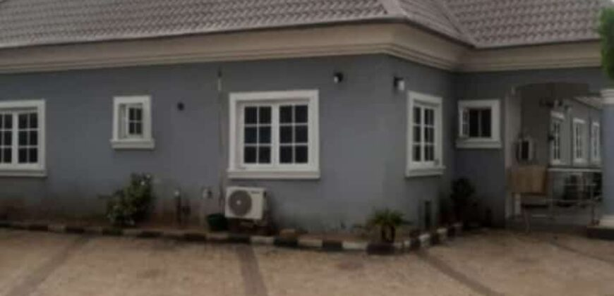 5 bedroom fully detached bungalow